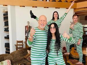Mantul! Istri Bruce Willis Rayakan Ulang Tahun bersama Demi Moore