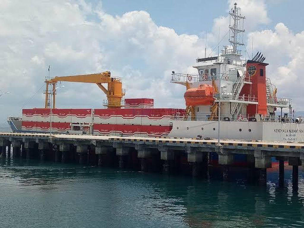 Kemenhub Manfaatkan Kapal Tol Laut Salurkan APD ke Daerah Pelosok