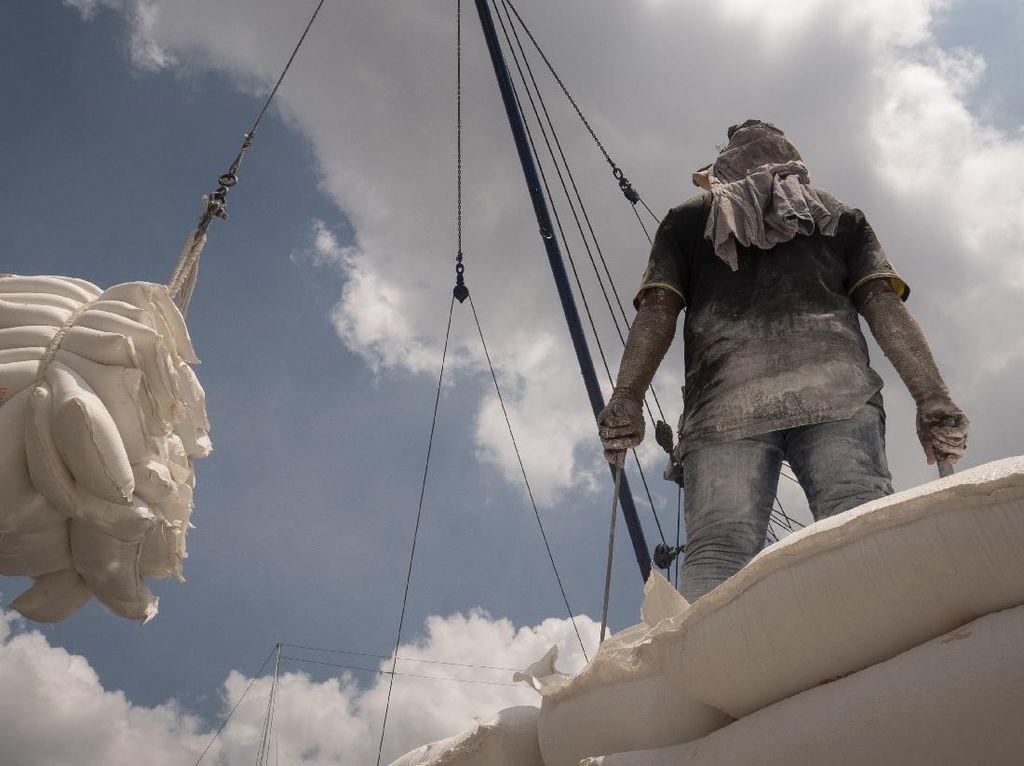 Aktivitas Bongkar Muat Pelabuhan Sunda Kelapa Masih Normal