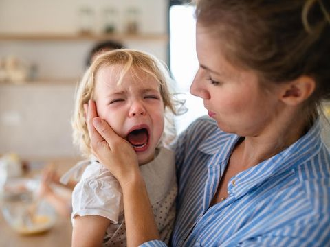 Ilustrasi anak menangis karena ketakutan