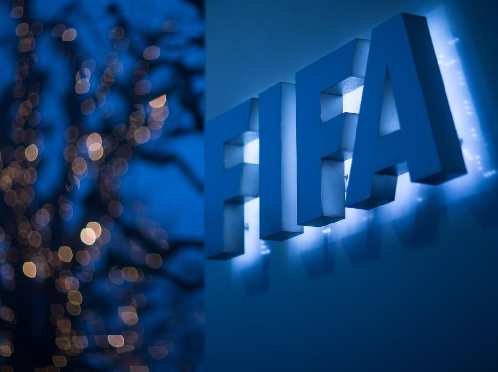 Kepala Medis FIFA: Lebih Baik Liga-liga Disetop dan Memulai Musim Baru