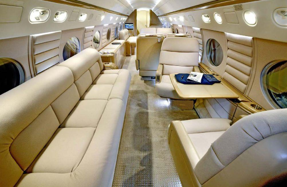 Bagian dalam jet pribadi Messi