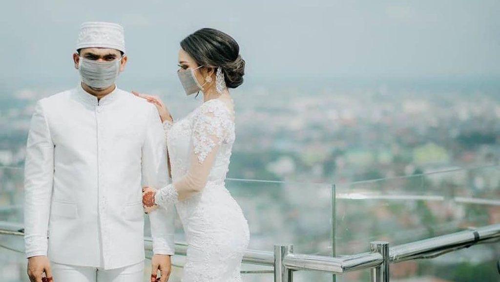 Intip Tren Foto Pernikahan di Tengah Corona, Pakai Masker dan Disinfektan