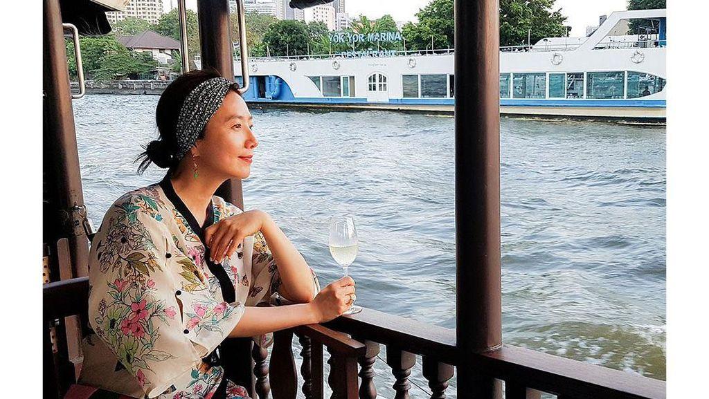 Kulineran Seru Kim Hee Ae, Wanita yang Dikhianati di A World of Married Couple