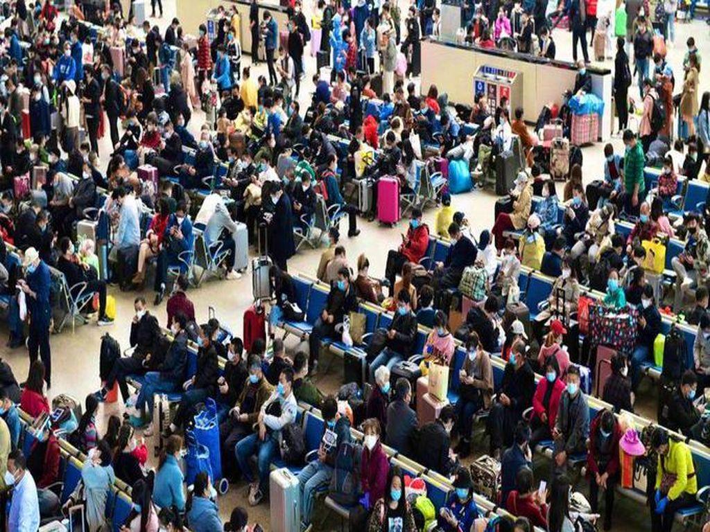 Lockdown Dicabut, Ribuan Orang Tinggalkan Wuhan