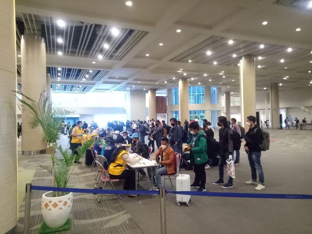 88 Pekerja Migran dari Incheon Korsel Tiba di Bandara Ngurah Rai