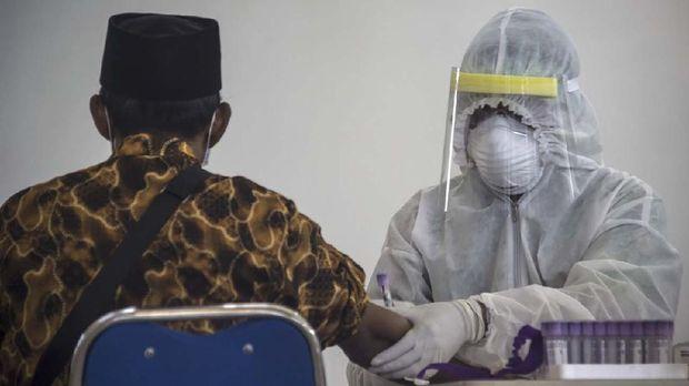 Kinerja pemerintah dalam menangani penyebaran virus corona dinilai lambat.