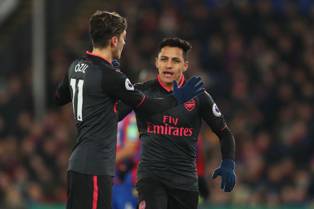 Oezil dan Sanchez saat di Arsenal