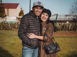 Unggah Foto Kenangan Saat Nikah, Mutia Ayu Ungkap Bisikan Glenn Fredly