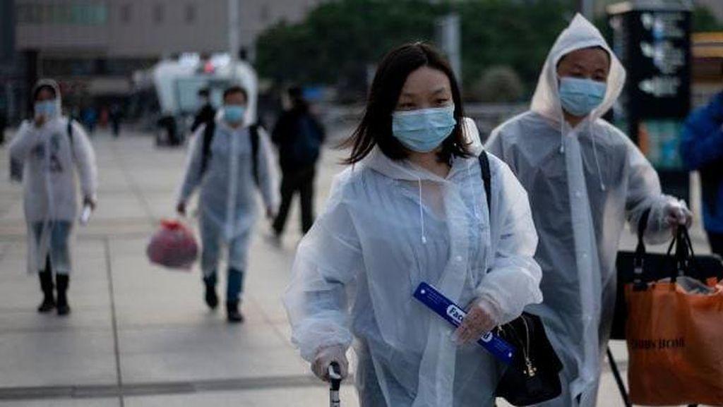 Potret Ribuan Penduduk Wuhan yang Mulai Meninggalkan Rumah