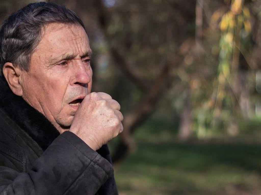 Perlu Tahu, Ini Risiko Virus Corona Bagi Kaum Pria di Atas 50 Tahun