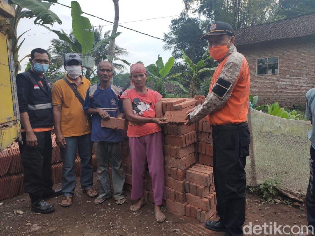 Hore, Rumah Keluarga yang Tinggal di Bekas Kandang Sapi Segera Dibangun