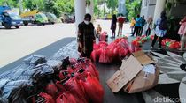 Pemkot Surabaya Distribusikan Bantuan APD ke Puluhan Rumah Sakit