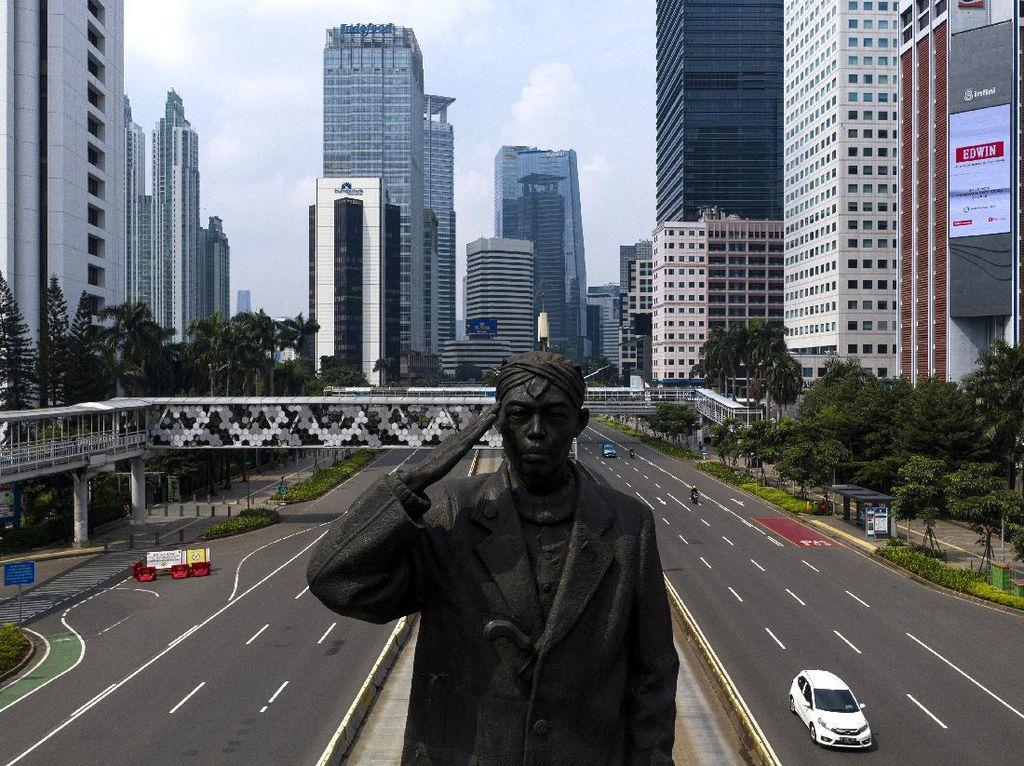 Penerapan PSBB Hari Pertama, Jalan Sudirman-Thamrin Lengang