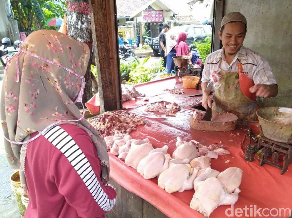 Jelang Ramadhan, Harga Daging Ayam di Cianjur Merangkak Naik