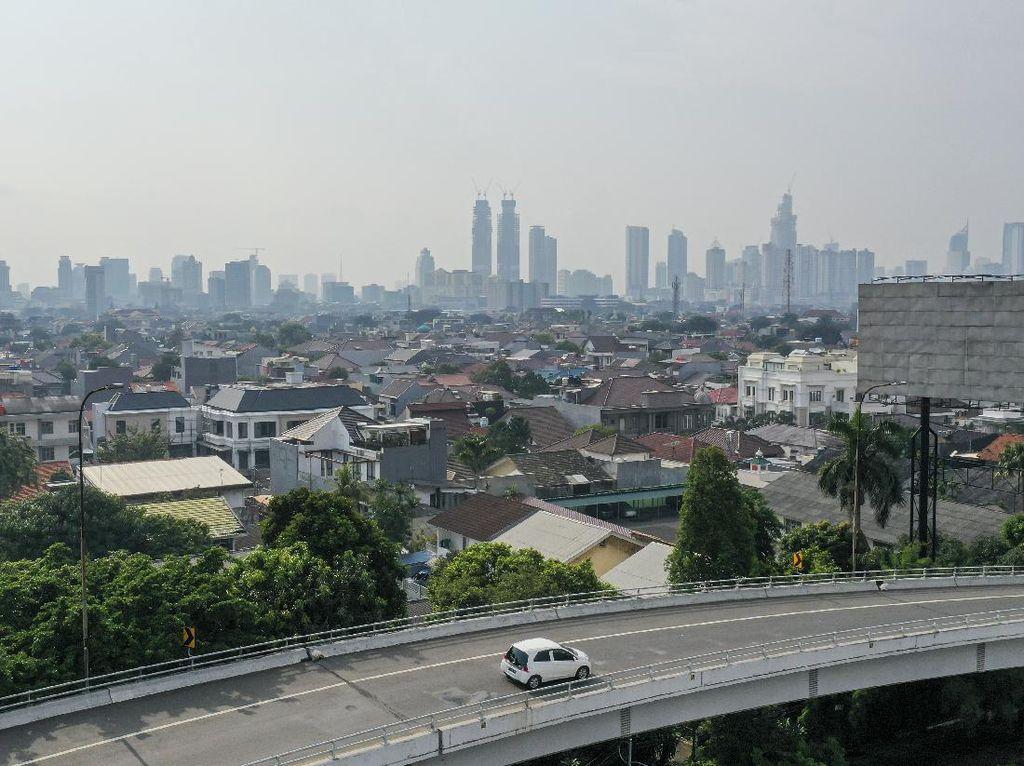 PSBB Hari ke-11, AirVisual: Udara Jakarta Masuk 5 Kota Tidak Sehat di Dunia