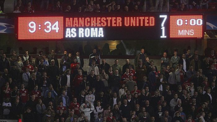 MANCHESTER, UNITED KINGDOM - APRIL 10: General view of the scoreboard during the UEFA Champions League Quarter Final, second leg match between Manchester United and AS Roma at Old Trafford on April 10, 2007 in Manchester, England. (Photo by Laurence Griffiths/Getty Images)
