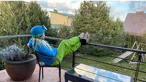 Halau Bosan, Warga Buat Ulang Foto Liburan di Tengah Corona
