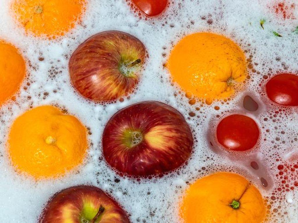 Haruskah Bahan Makanan Dicuci Pakai Sabun Agar Bebas Virus Corona?