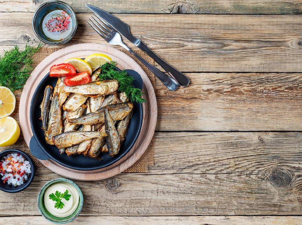 5 Ikan yang Sehat untuk Dikonsumsi Saat Lagi di Rumah Aja