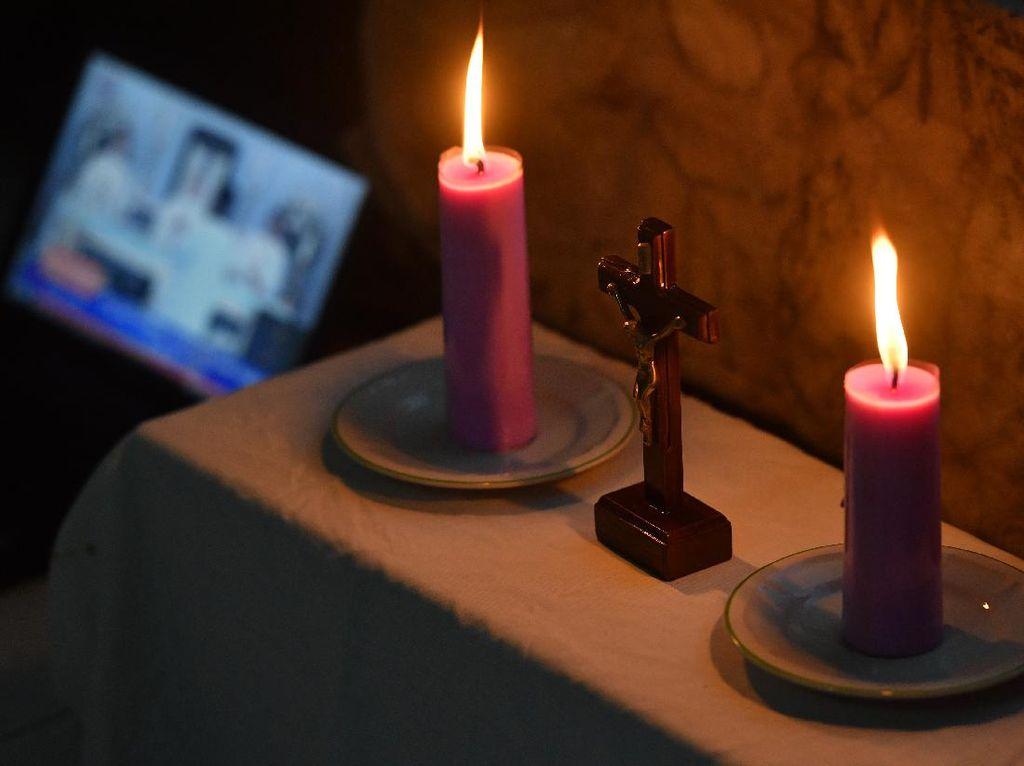 Umat Katolik Diimbau Peringati Paskah di Rumah-Tak Kucilkan ODP dan PDP