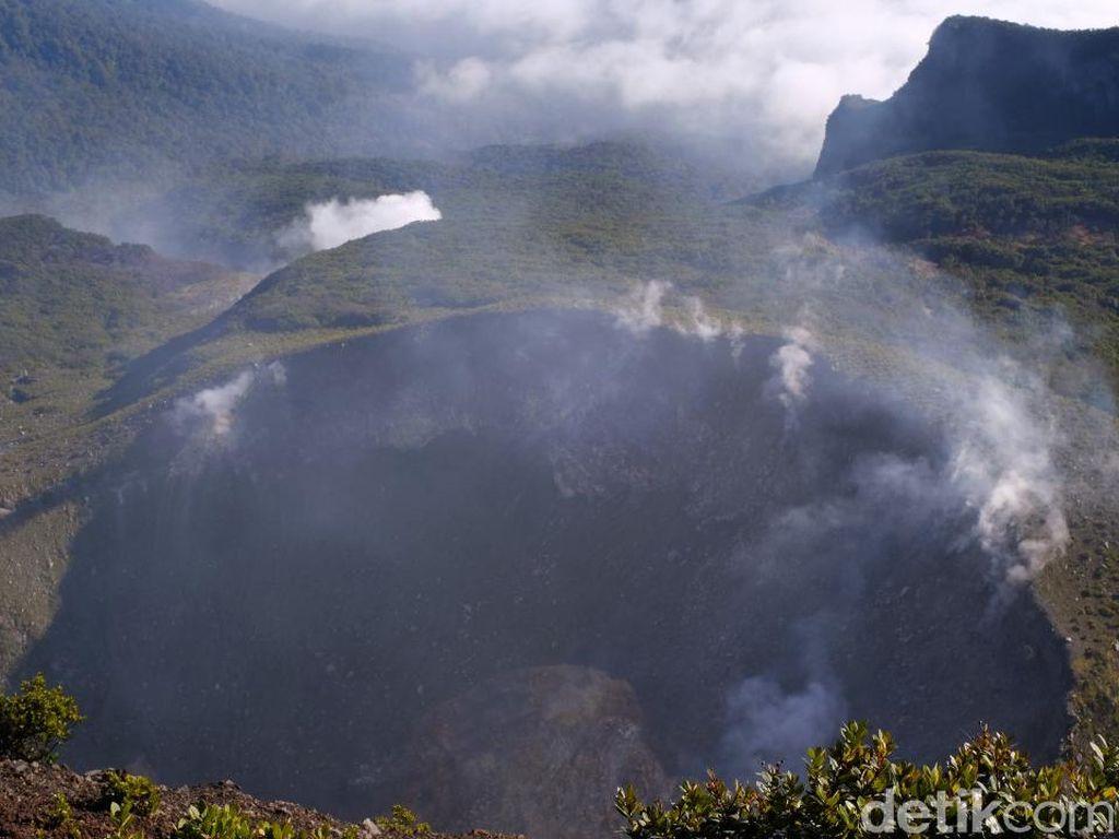 Dentuman Terdengar di Jakarta-Bogor, PVMBG: Gunung Salak-Gede Normal