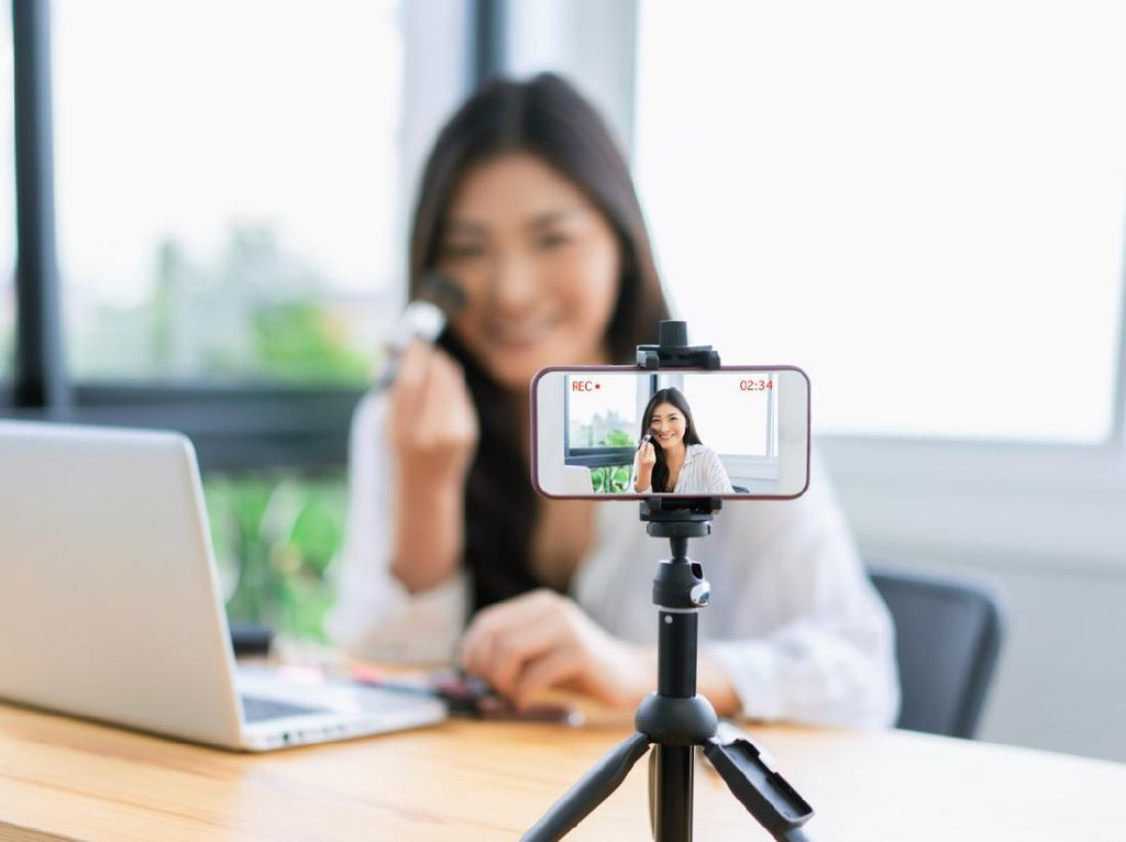 Aplikasi Smartphone untuk Bikin Vlog #DiRumahAja