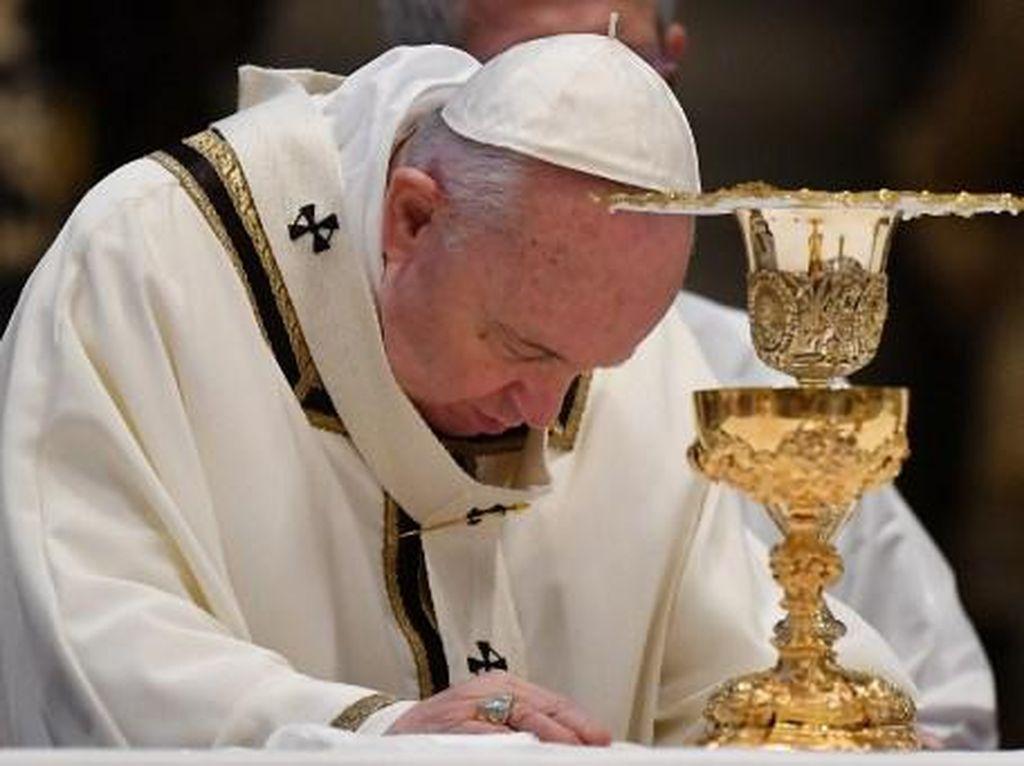 Pimpin Misa Minggu Paskah Via Virtual, Paus Fransiskus Doakan Korban Corona