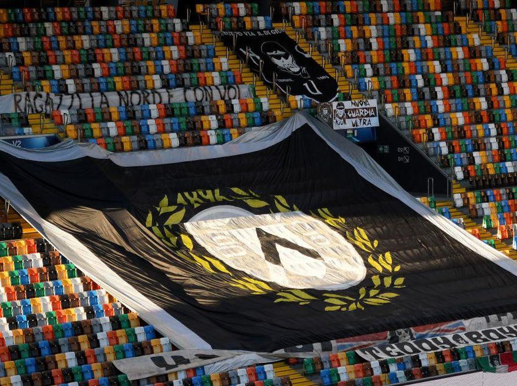 Keren! Klub Serie A Ini Kirim-kirim Sembako dan Obat ke Penggemar Lansia