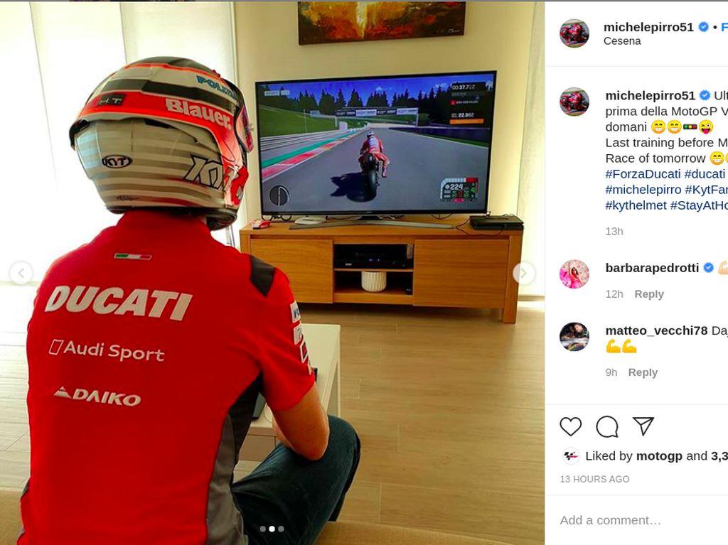 Latihan MotoGP Online, Pebalap Ini Main PS Pakai Helm Indonesia