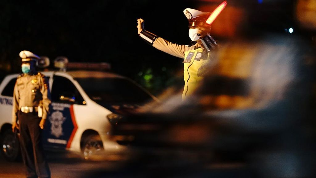 Polisi Patroli Bubarkan Keramaian