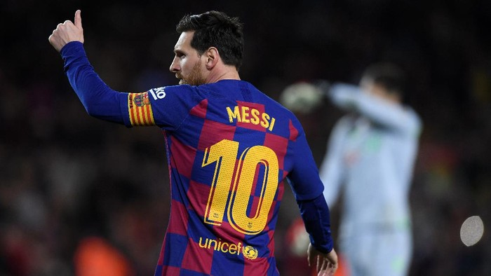 BARCELONA, SPAIN - MARCH 07: Lionel Messi of FC Barcelona celebrates after scoring his teams first goal  during the La Liga match between FC Barcelona and Real Sociedad at Camp Nou on March 07, 2020 in Barcelona, Spain. (Photo by Alex Caparros/Getty Images)