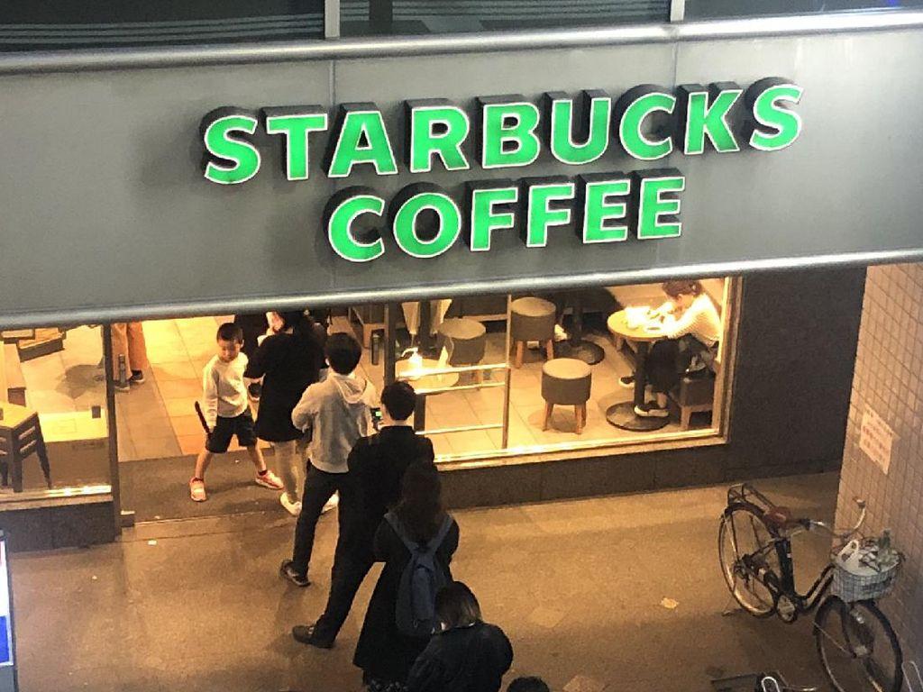 China Uji Coba Uang Virtual di McDonalds dan Starbucks