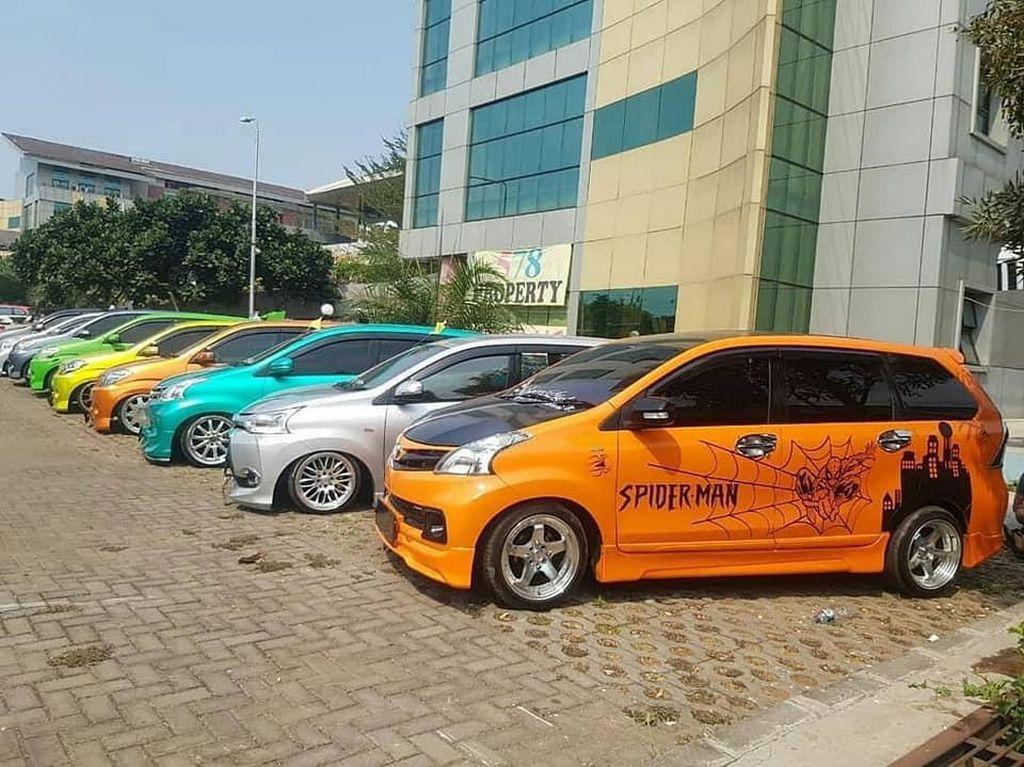 Tanpa Kopdar, Pecinta Mobil Kembar Sejuta Umat Rayakan Ultah ke-16