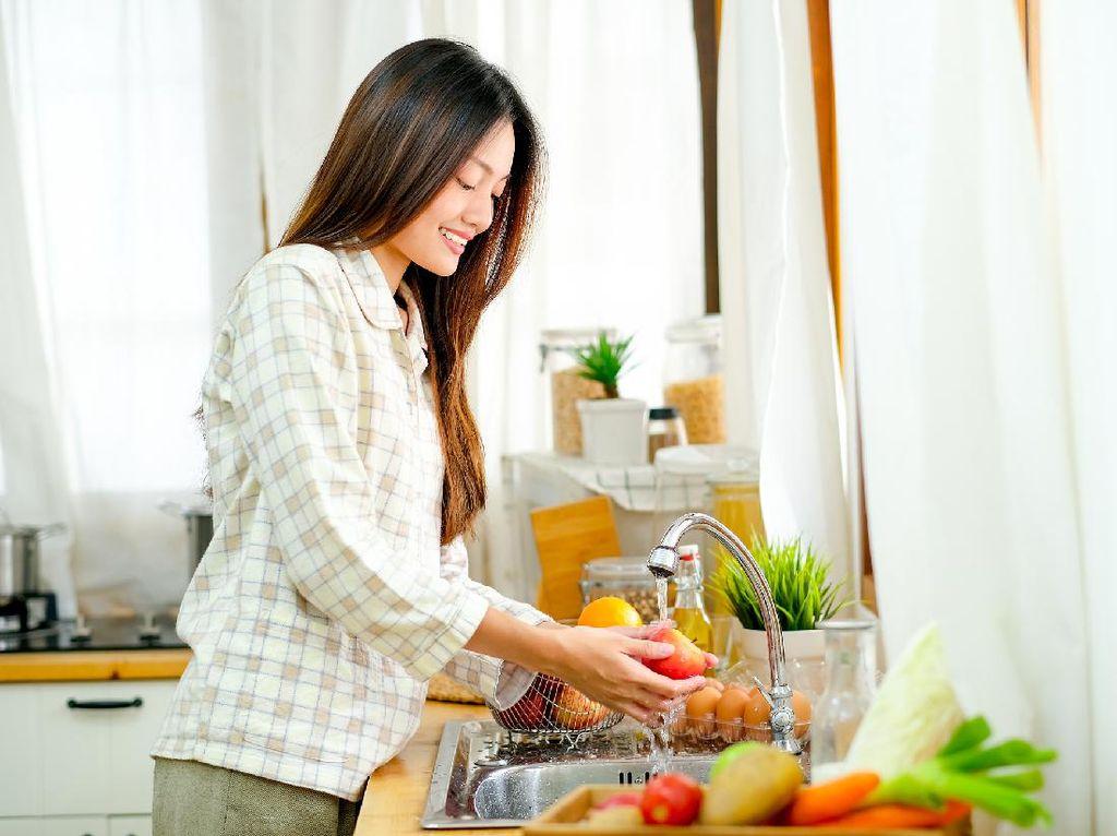Catat! Cara Mencuci Bahan Makanan yang Tepat Agar Terhindar dari Corona