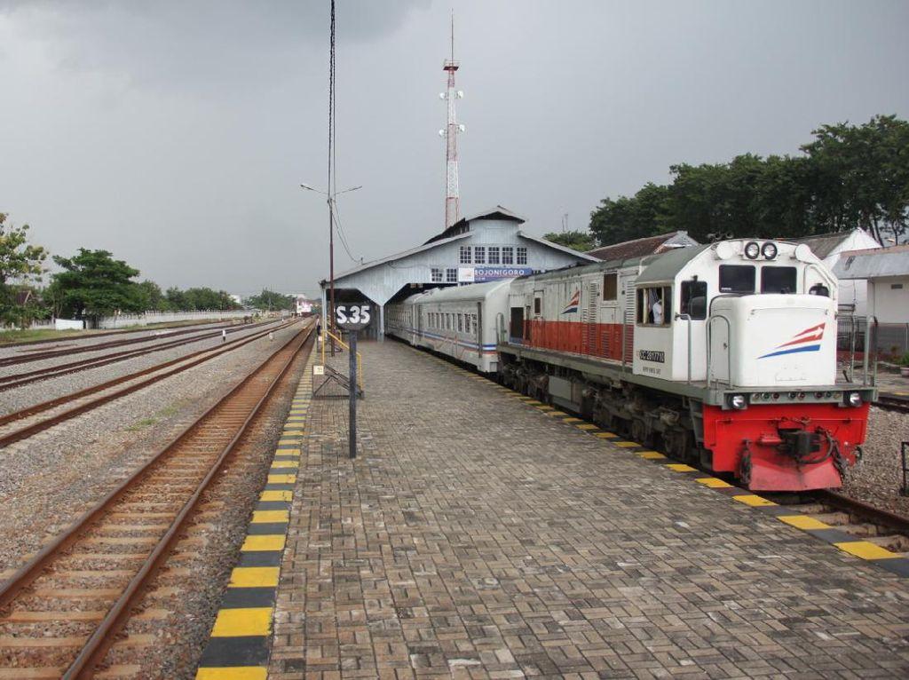Seluruh Perjalanan KA Mudik dari Surabaya  ke Bandung dan Jakarta Dibatalkan
