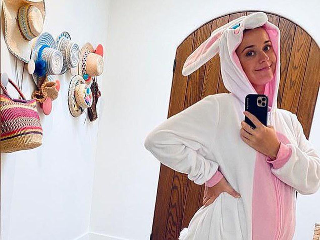 Promo Acaranya, Katy Perry Jadi Kelinci