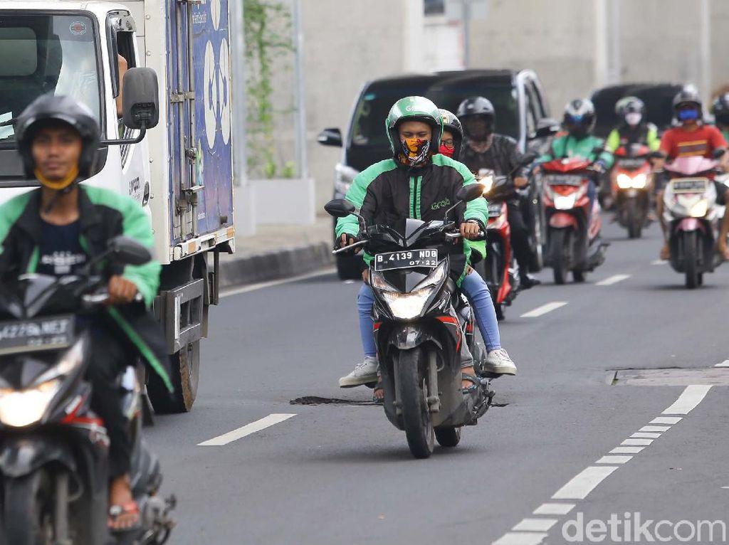Polisi Diminta Ikuti Pergub DKI Saat PSBB, Ojol Dilarang Bawa Penumpang