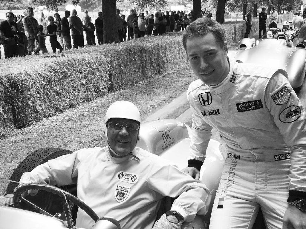 Sir Stirling, Legenda Balap F1 Meninggal di Usia 90 Tahun