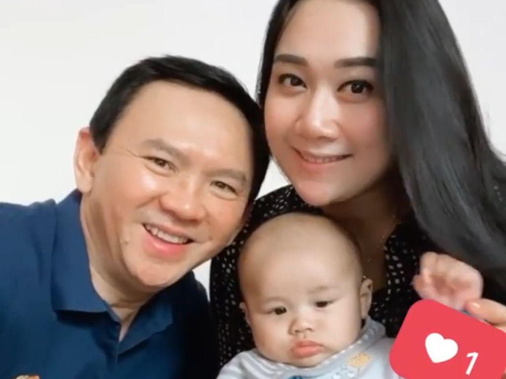 Ahok Main Bareng Anaknya yang Masih Bayi, Netizen Gemas