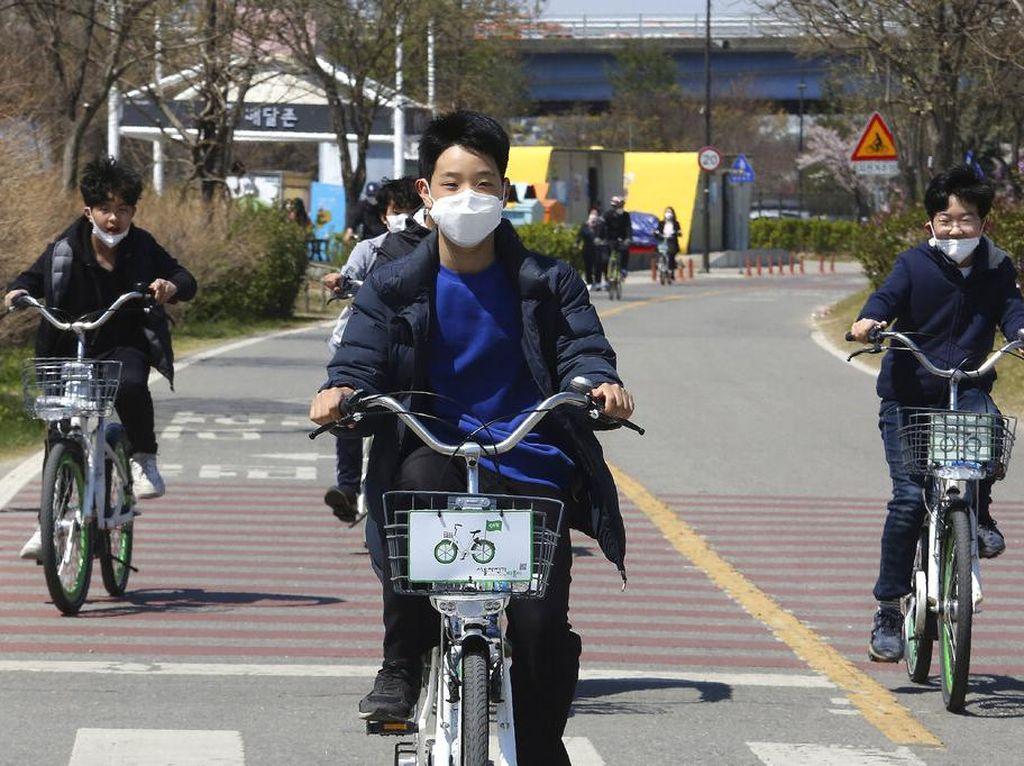 Wabah Corona Mereda, Korea Selatan Buka Kembali Sekolah
