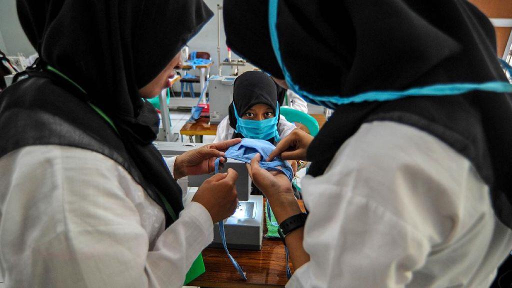 Penyandang DIsabilitas di Cimahi Ramai-ramai Bikin Masker
