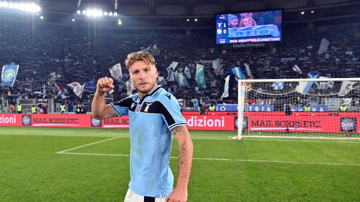 ROME, ITALY - JANUARY 11: Ciro immobile of SS Lazio celebrates a after defeating SSC Napoli in the Serie A match between SS Lazio and SSC Napoli at Stadio Olimpico on January 11, 2020 in Rome, Italy.  (Photo by Marco Rosi/Getty Images)