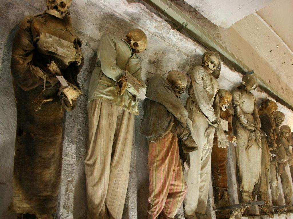 Deretan Tempat Horor dan Misterius di Dunia, Berani Singgah?