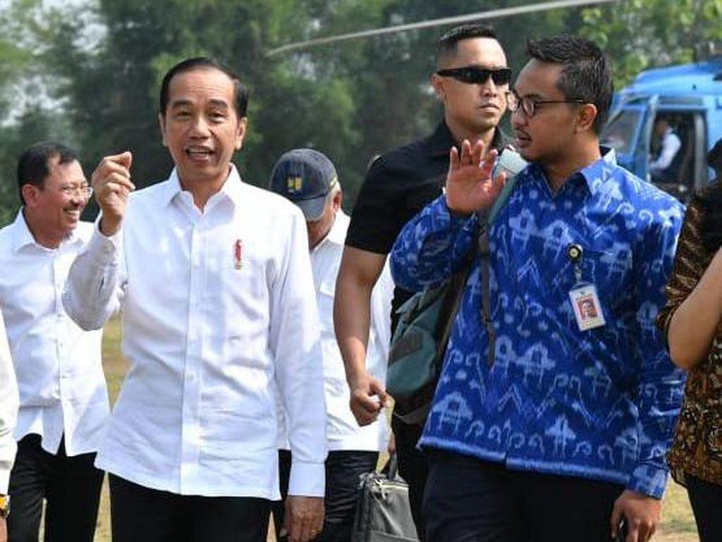Jokowi Restui Andi Taufan Mundur dari Stafsus