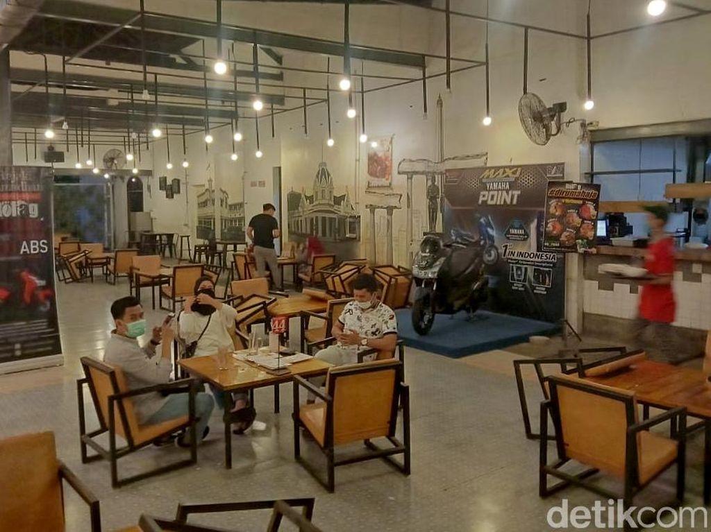 Social Distancing Membunuh Bisnis Restoran dan Bar