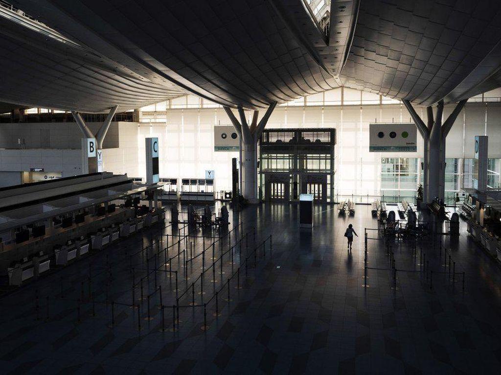 Lihat Lagi Penampakan Bandara Tersibuk di Jepang yang Kini Sepi