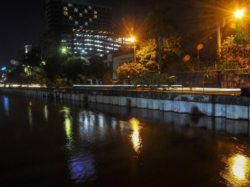 Hotel di Bekasi juga Nyalakan Simbol Hati Dukung Pejuang COVID-19