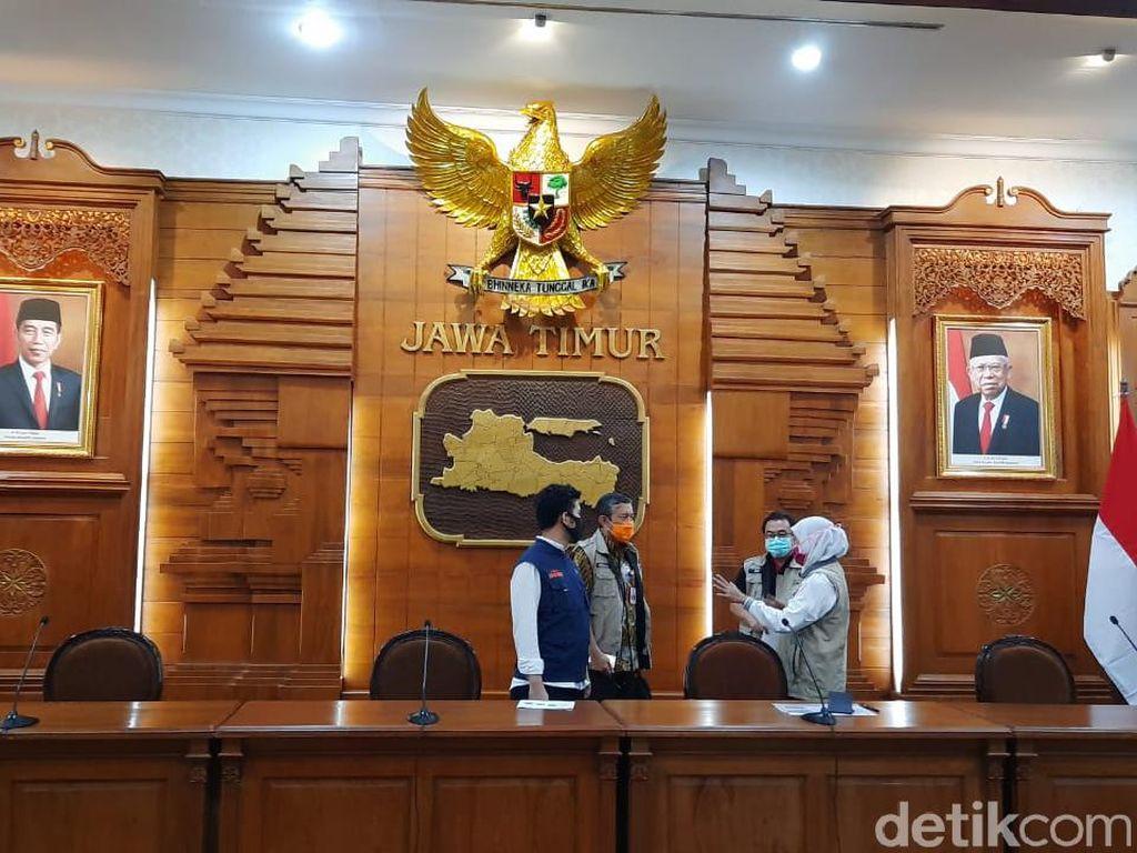 Khofifah Ungkap soal Penolakan Jenazah Corona di Kota Pasuruan