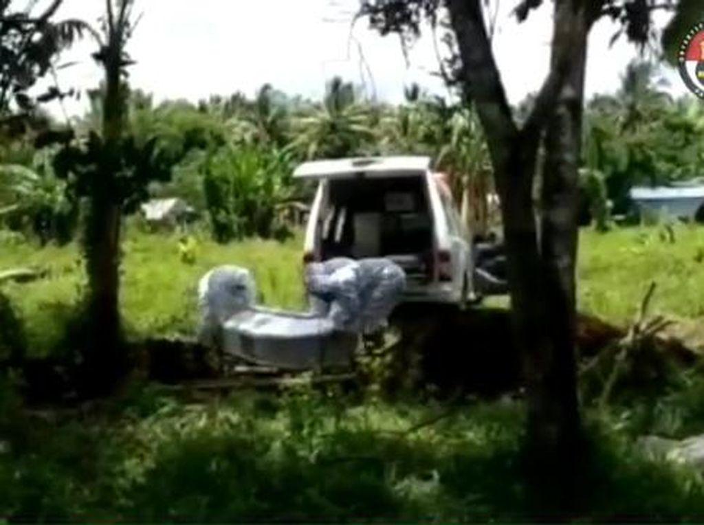 Video Call Dengan Kapolri, Polisi Pengubur Jenazah Corona Sempat Menangis